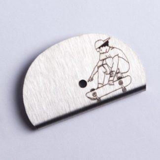 Sifflet gravé skate figure ollie