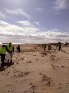 Opération éco-citoyenne nettoyage plage